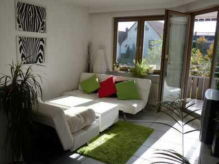 Individuelle 2-Zi.-Wohnung mit Südbalkon, EBK und Garage