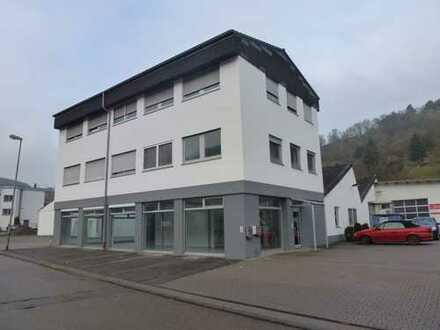 Helle Büro- /Wohnräume in Gewerbegebiet Mönsheim zu vermieten