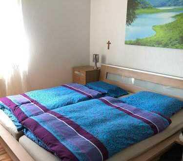 Exklusive, modernisierte 2,5-Zimmer-Wohnung mit Balkon und Einbauküche in Böblingen