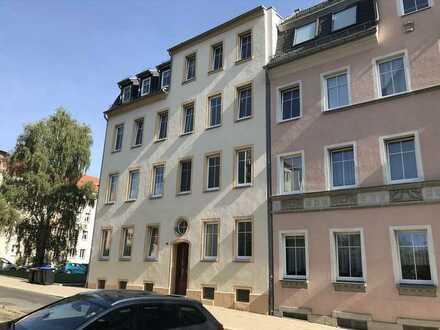 3RW in Stadtrandlage, Plauen-Haselbrunn, Balkon, Laminat, offene Küche, Küche + Bad mit Tageslicht
