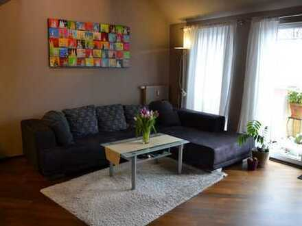 Exklusive, modernisierte 3-Zimmer-Galerie-Wohnung mit Balkon und Einbauküche in Holweide, Köln