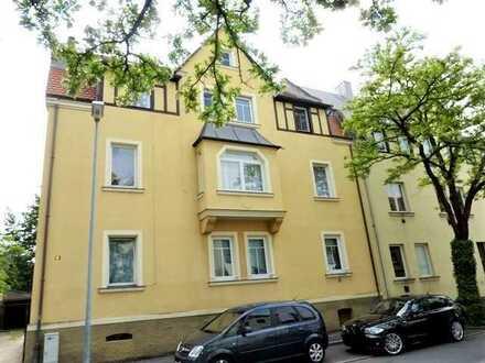 5 Wohneinheiten, Mehrfamilienhaus plus Nebengebäude als Maisonette Wohnung zum Ausbauen.