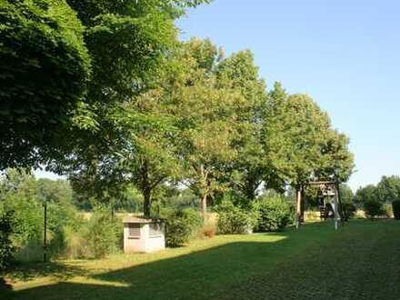 Exklusives Wohnvergnügen: Penthouse mit Wintergarten und Blick ins Grüne !