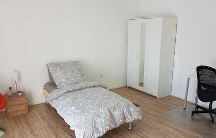 WG Zimmer, neu renoviert in einem Stockhaus nur an Wochenendheimfahrer zu vermieten 23 qm