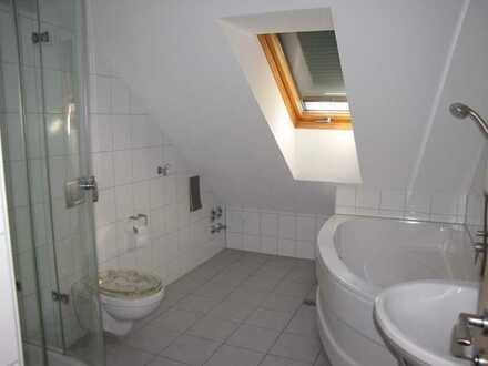 4-Zimmer-Dachgeschosswohnung mit Balkon und EBK in Spalt