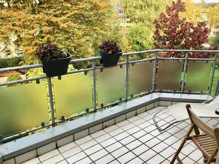 Schöne 2-Zimmer-Wohnung mit großem Balkon und EBK im Südostviertel