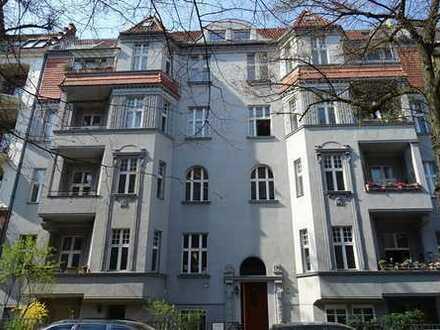 Wunderschöne Fünf-Zimmer-Wohnung im edel sanierten Altbau nahe Rheinstraße in Berlin-Friedenau!