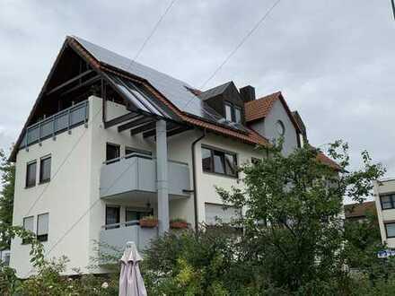 Stilvolle, modernisierte 3-Zimmer-Wohnung mit Balkon und EBK in Fellbach
