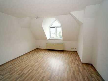 Fuer Dachgeschossliebhaber! Individuelle 2-Raum-Wohnung in der Suedvorstadt