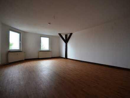 große 1-Raum-Dachgeschosswohnung
