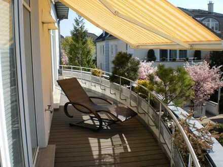 Luxus Dachgeschoss Whg. mit Fahrstuhl, 318 m² bei Frohnau