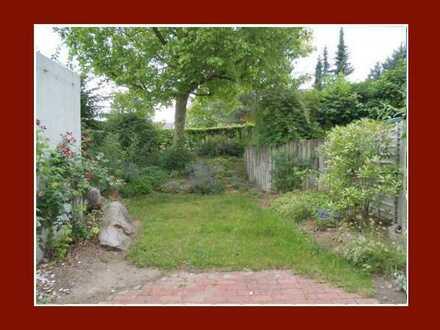 Für Gartenfreunde! Maisonette mit Loggia, 2 Terrassen und tollen Garten in kleiner Wohneinheit!