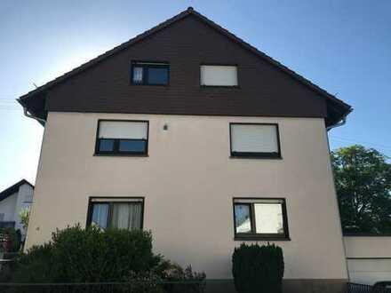 Sanierte 4-Zimmer-Erdgeschosswohnung mit Terrasse, alleiniger Gartenbenutzung, EBK und in Karlsruhe