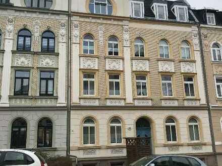 Preisgünstige Wohnung in Gründerzeitvilla