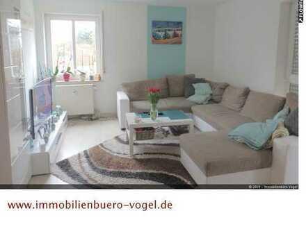 ruhige 2 Zi. Wohnung mit Terrasse, Garten u. PKW-Stellplatz,