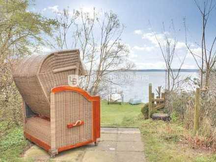 Wohnen am Großen Plöner See - Zweifamilienhaus der besonderen Art