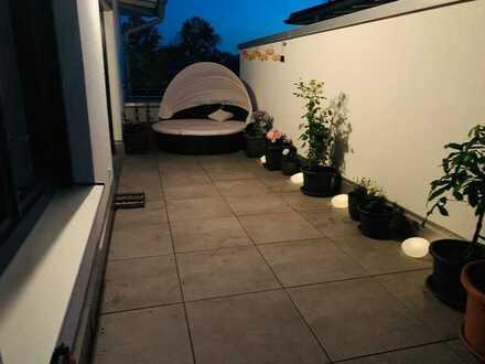 Exklusive, geräumige und lichtdurchflutete 2-Zimmer-Penthouse-Wohnung mit Balkon in Buchloe