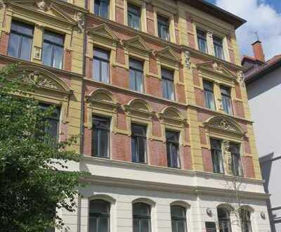 Lichtdurchflutete Altbauwohnung in der Steinbrecher Straße