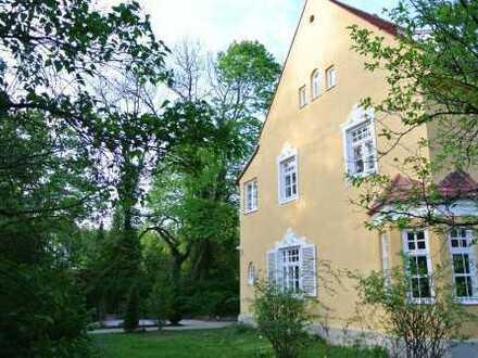 """Villa mit Charme """"Denkmalschutz"""" in bester Lage von Gauting bei München"""