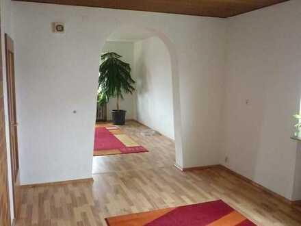 106 m² große, modernisierte Wohnung - in der Nähe der Audi