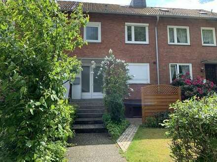 Garten, Garage, Vollkeller... Reihenmittelhaus in einer ruhigen Seitenstraße von Bremen-Osterholz