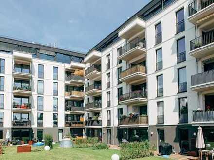 Penthouse / Neuwertige Wohnung - hochwertiges Parkett - Aufdachterrasse - Auftzug - Sauna - TG