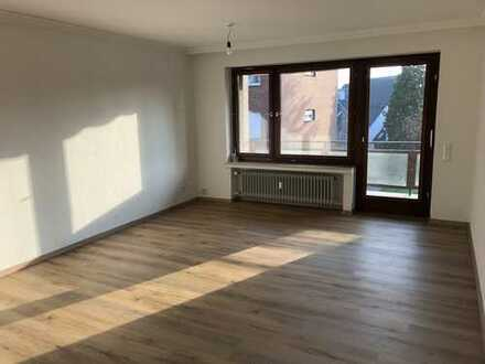 Erstbezug nach Sanierung: attraktive 3-Zimmer-Wohnung mit Balkon am Fuße der Burg Rode
