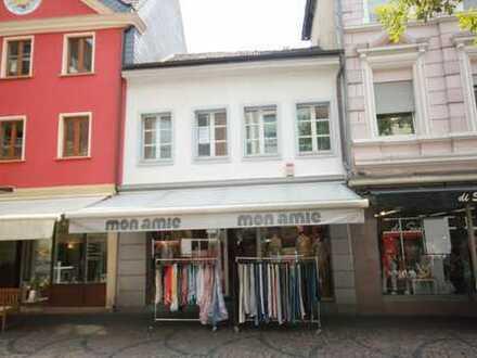 Siegburg-Fußgängerzone: Stadthaus mit vermietetem Ladenlokal!