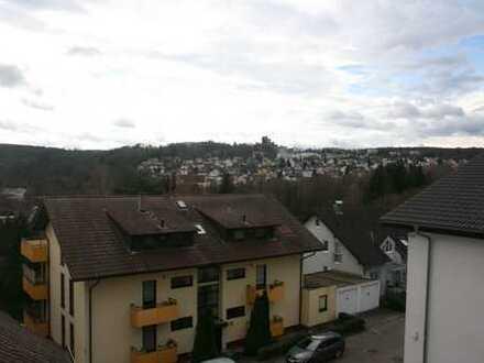 Ansprechende 3,5-Raum-Maisonette-Wohnung mit EBK und Balkon in Pforzheim