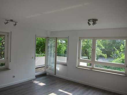 Sonnige, verkehrsgünstige, moderne 2-Zimmer-Wohnung mit Blick ins Grüne in Uni-Nähe