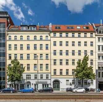 Sanierte 3-Zimmer-Altbauwohnung - Completely Renovated 3 room period building apartment