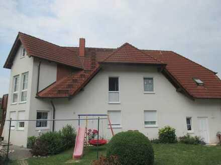 Erstbezug nach Sanierung: 3-Zimmer-Wohnung mit neuer Einbauküche, Terrasse, Gartennutzung