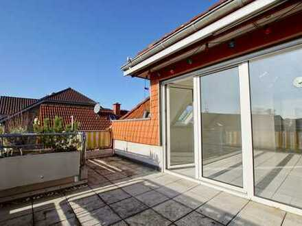Sonnenglück: Lichtdurchflutete Dachgeschosswohnung mit Balkon und Garage!