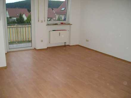 3-Zimmer-Dachgeschosswohnung mit Balkon und Einbauküche in Pfreimd