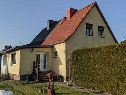 Gepflegte Doppelhaushälfte mit schönem Garten in ruhiger Lage!