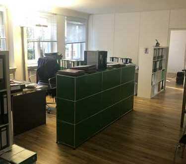 Atmosphärische Büroräume in Schwabing