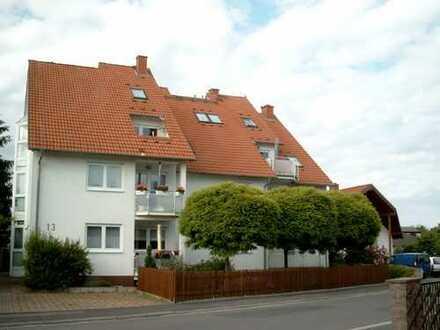 Gepflegte 3-Zimmer-Erdgeschosswohnung mit Balkon und EBK in Rosbach v.d.H., Ortsteil Rodheim