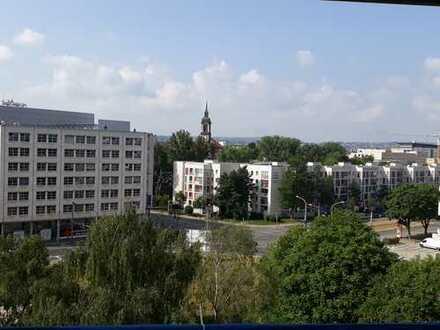Genießen Sie den Blick über Dresden in Ihrer neuen 4-Zimmerwohnung!