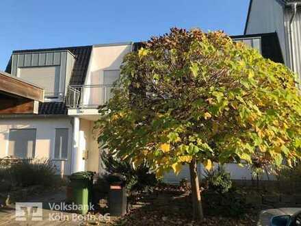 Bonn - Schickes einseitig angebautes Einfamilienhaus mit Carport in zentraler Lage von Holzlar