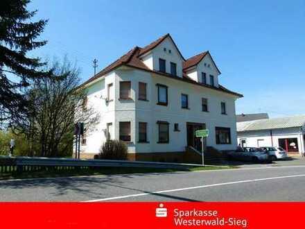 Kapitalanlage Nähe Altenkirchen, 4 Wohneinheiten, derzeit voll vermietet.