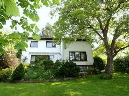 Solides Einfamilienhaus in familienfreundlicher Umgebung sucht ... !