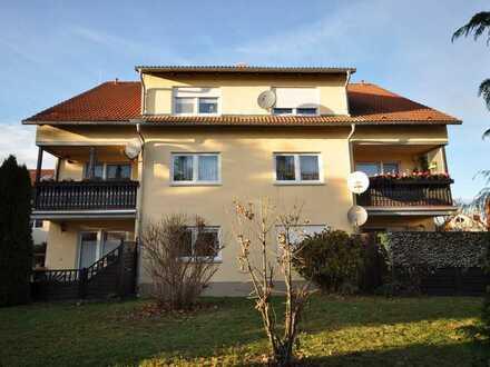 ++Einbauküche++ 3-Raum Wohnung mit Laminat, Tageslicht Badezimmer und PKW Stellplatz