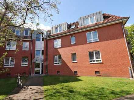 4 Zimmer EG-Wohnung mit Terrasse + Balkon in Norderstedt