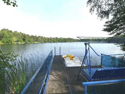 Luxus Ferienhaus direkt am Waldsee, traumhaftes Wassergrundstück nahe Berlin