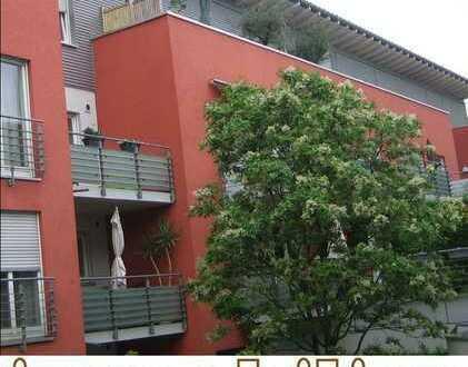 Schöne Wohnung im obersten Stock mit großer Terrasse / Grüne Lage