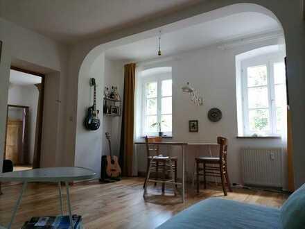 2 Zimmer-Wohnung, 55 qm in Jugendstilvilla nahe Löwenbrücke