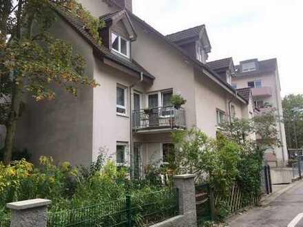 Bezugsfreie 2 Zimmer-ETW mit eigenem Gartenanteil