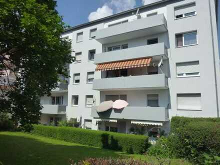 Hemsbach: Freundliche, helle 3-Zimmer-Wohnung mit Balkon und Garage