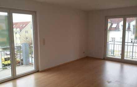 Kapitalanleger 6,75% Rendite !! Helle Drei-Zimmer-Wohnung mit 3 Balkonen