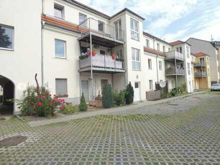 Helle geräumige 4 Zimmer Wohnung mit Balkon
